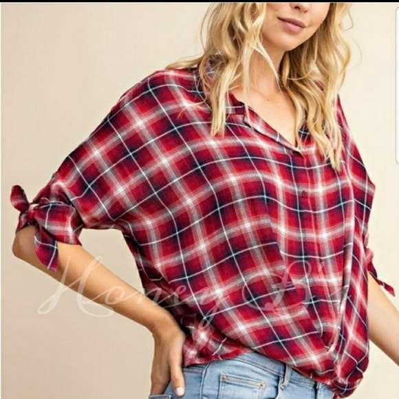LE LIS Tops - Perfect wth jeans classic plaid top